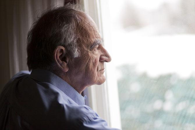 Одиночество пожилых, дефицит общения
